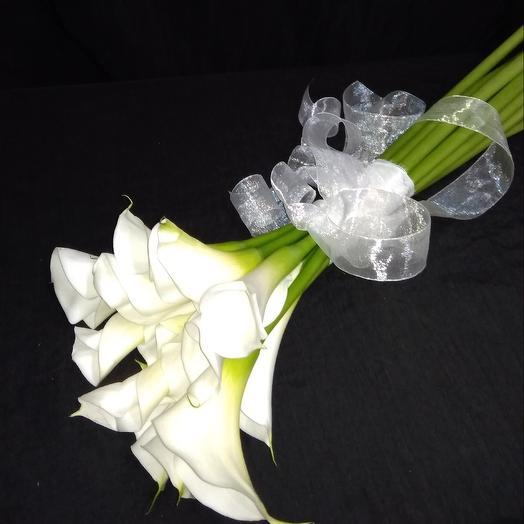 Каллы: букеты цветов на заказ Flowwow