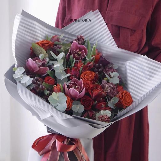 Красный-прекрасный: букеты цветов на заказ Flowwow