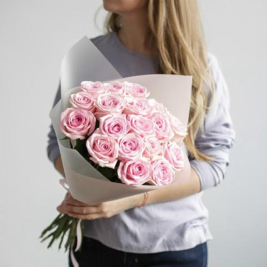 19 розовых роз: букеты цветов на заказ Flowwow