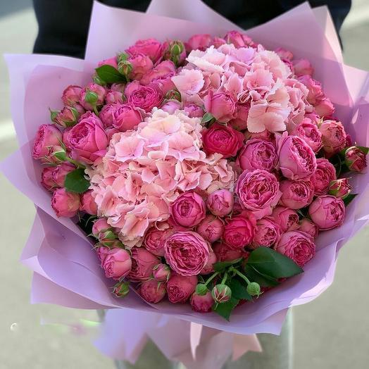 """Букет роз и гортензии """"Малиновый сон"""""""