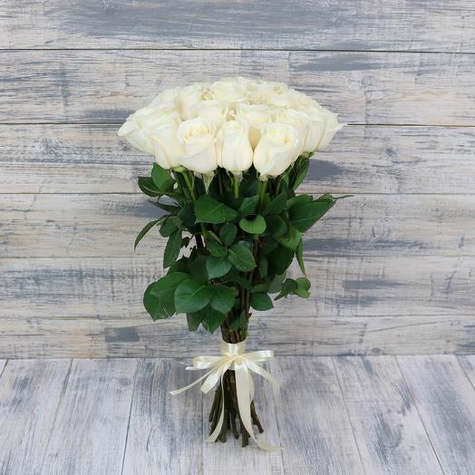 19 элитных эквадорских роз