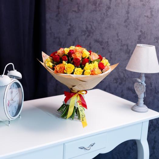 51 розы оранжевый микс с премиум доставкой: букеты цветов на заказ Flowwow