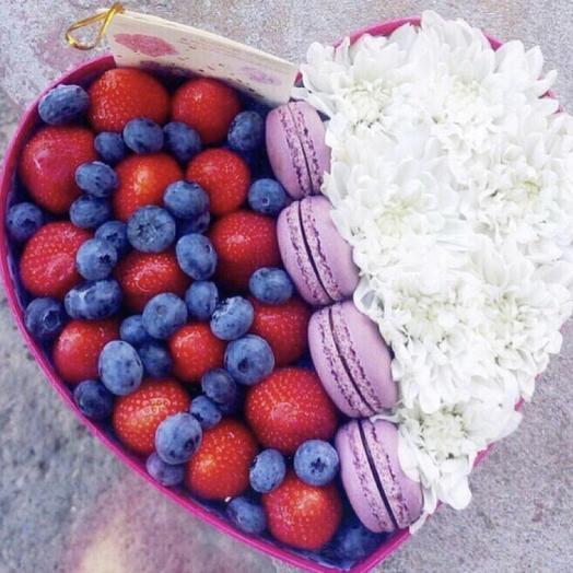 Клубничная коробочка «злаки»: букеты цветов на заказ Flowwow