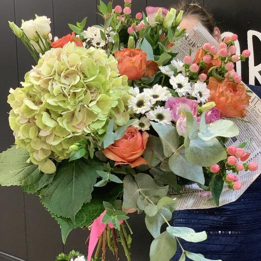Букет с нежной гортензией: букеты цветов на заказ Flowwow
