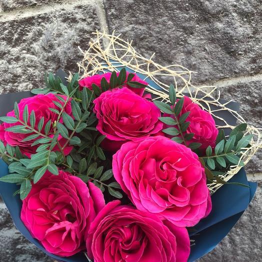 Букет из 7 малиновых роз
