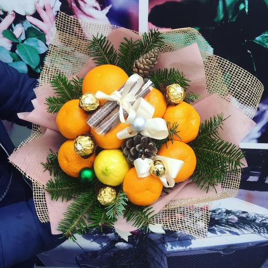 Цитрусовый новогодний букет: букеты цветов на заказ Flowwow