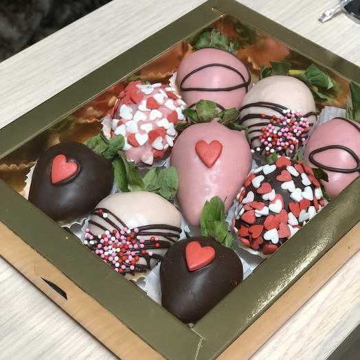 Клубничный box для сладкоежки»