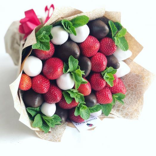 Клубника в шоколаде с мятой