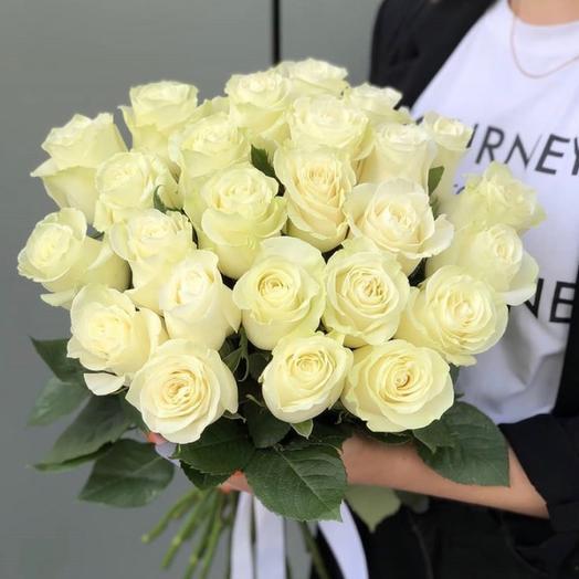 Букет из 25 белых роз Мондиаль