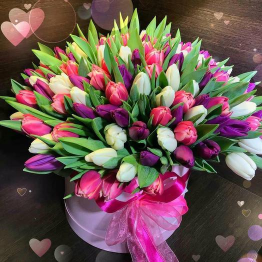 Цветы в коробке 101 тюльпан