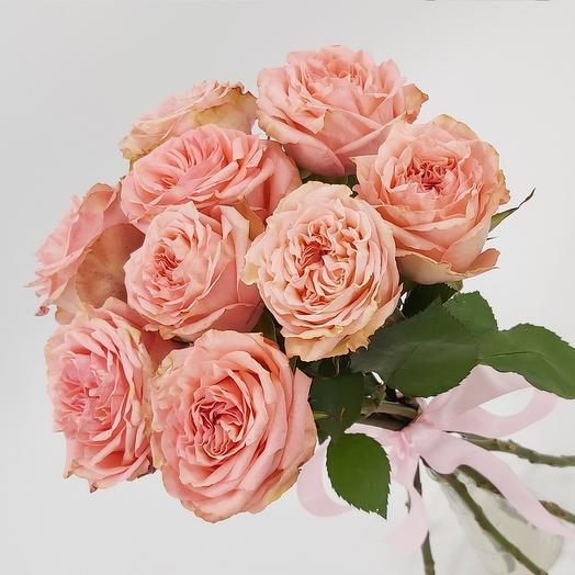 9 розовых пионовидных роз