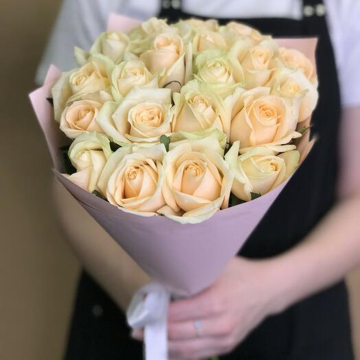 Букет из 21 нежная кремовая роза 40-50 см (Россия)