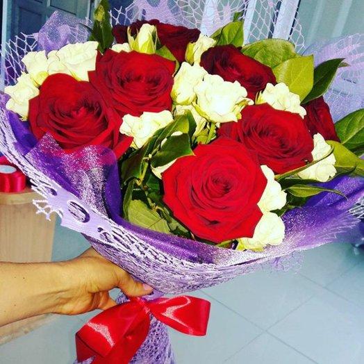 Букет с красными розами: букеты цветов на заказ Flowwow