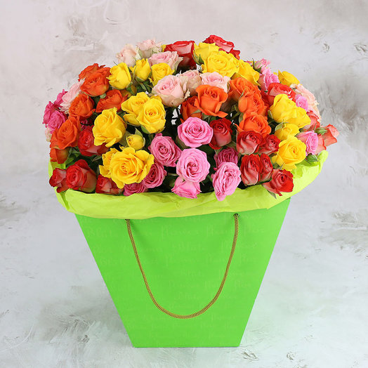 25 разноцветных кустовых роз в коробке: букеты цветов на заказ Flowwow
