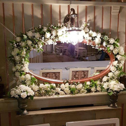 Зеркало в живых цветах: букеты цветов на заказ Flowwow