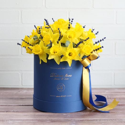 Нарциссы: букеты цветов на заказ Flowwow