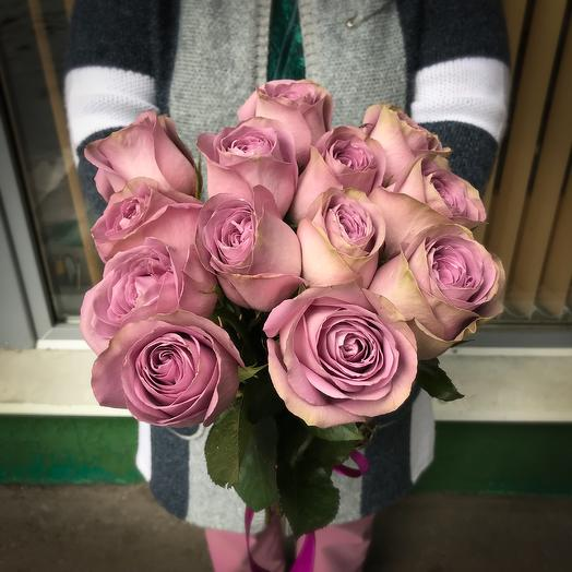 Букет из 12 розовых кенийская роза: букеты цветов на заказ Flowwow