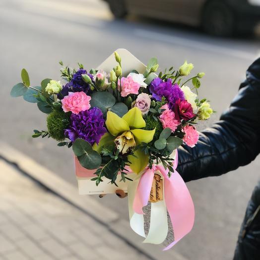 Конверт деревянный с цветами: букеты цветов на заказ Flowwow