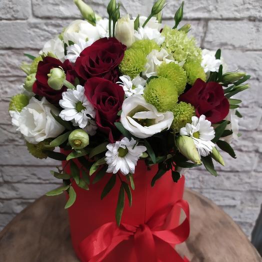 Сладкая коробочка с рафаэлло на День Влюблённых: букеты цветов на заказ Flowwow