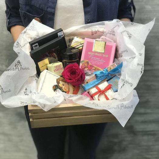 Сладкий Набор Из шоколада ручной работы и ароматной свечей: букеты цветов на заказ Flowwow