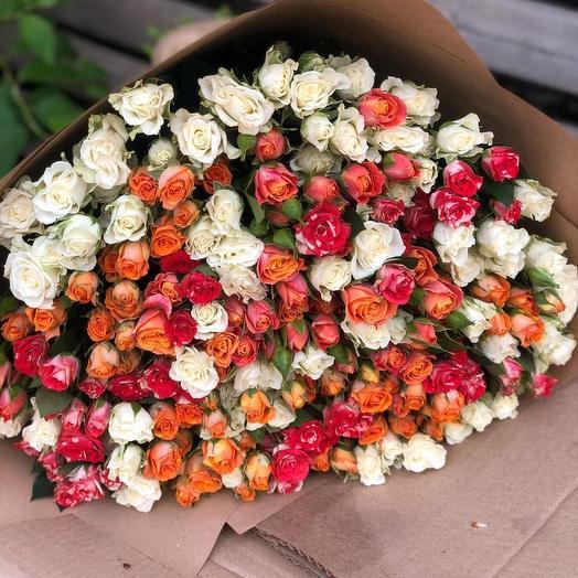 Букет из 51 кустовой розы
