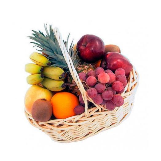 Корзина с отборными фруктами