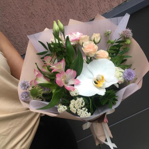 Мини букетик с орхидеей
