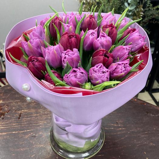 29 пионовидных тюльпанов