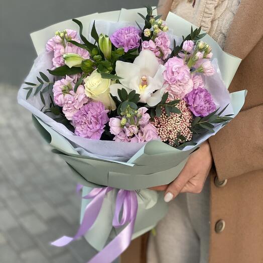 Giovanna bouquet of alstroemeria, mattiola and carnation