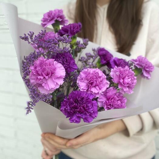 Фиолетовые гвоздики