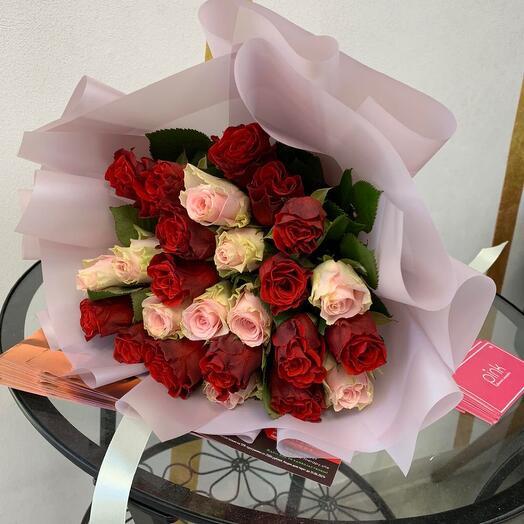 25 роз Кении в стильном оформлении