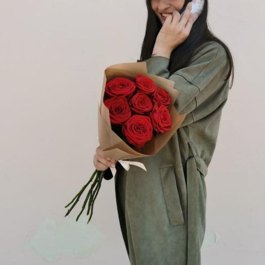 Букет из 7 Красных Роз Ред Наоми