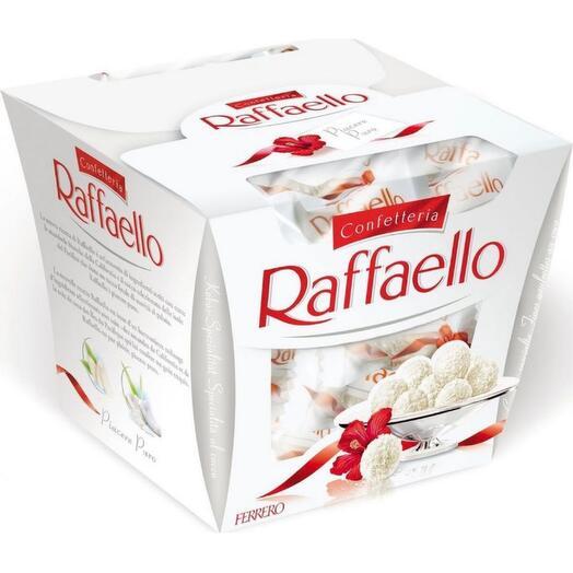Конфеты Raffaello с цельным миндальным орехом в кокосовой обсыпке 150 г