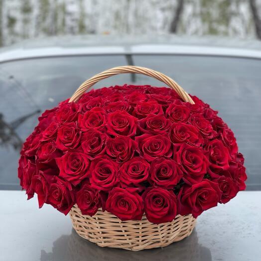 Траурная карзина из живых цветов