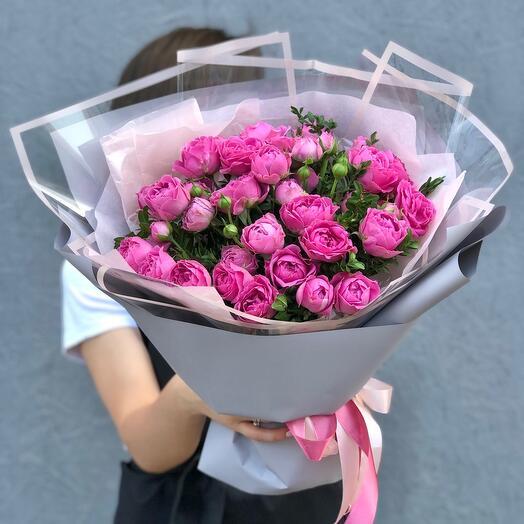 Букет 11 кустовых пионовидных роз Мисти Баблс