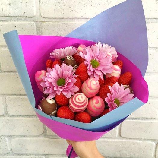 Букет из клубники с хризантемой: букеты цветов на заказ Flowwow