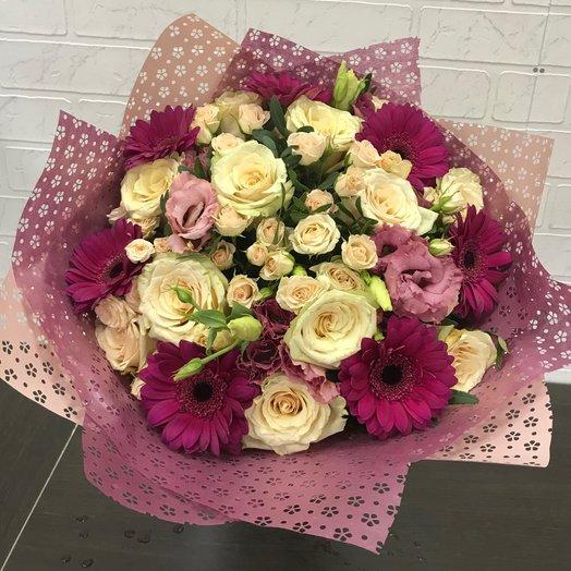 Букет из роз и мини гербер: букеты цветов на заказ Flowwow
