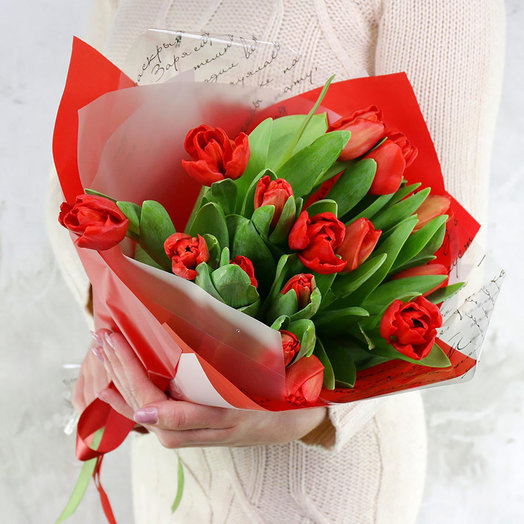 Букет из 15 красных тюльпанов