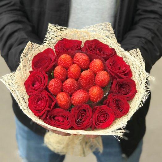 Букет. Красная  Роза. Клубника N119