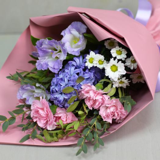 Комплимент с гиацинтом: букеты цветов на заказ Flowwow
