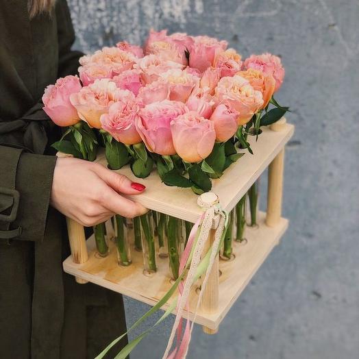 """БОКС И КОЛБАМИ (25 ШТУК) """"ТЫ САМАЯ"""": букеты цветов на заказ Flowwow"""