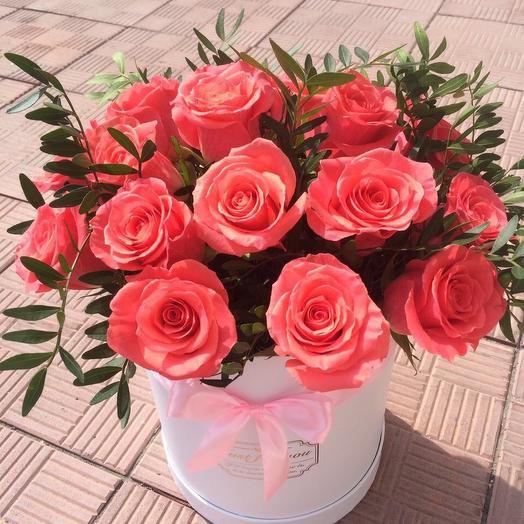 19 коралловых роз: букеты цветов на заказ Flowwow