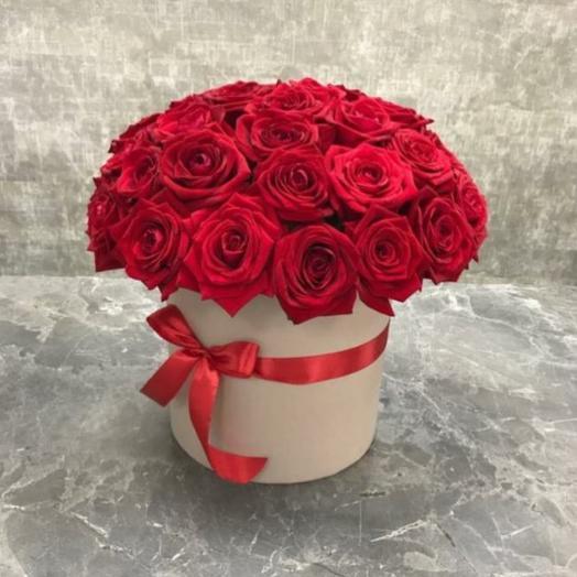 """Букет красных эффектных роз """"Горячий поцелуй"""""""