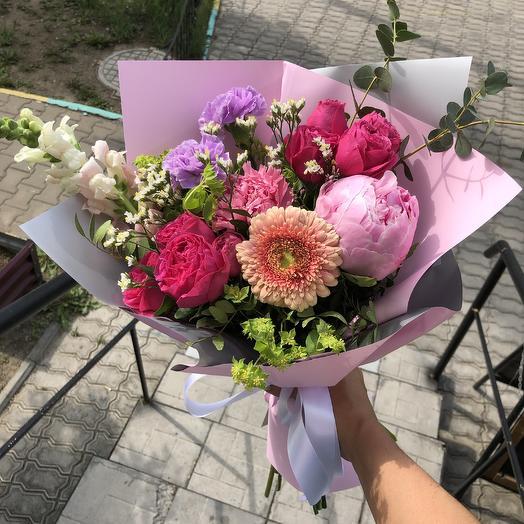 Летний с пионом: букеты цветов на заказ Flowwow