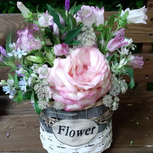 Роза на летнем лугу: букеты цветов на заказ Flowwow