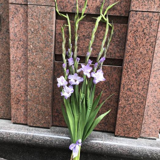 Гигантские гладиолусы по супер цене: букеты цветов на заказ Flowwow