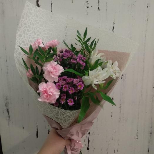 Букет с гвоздиками: букеты цветов на заказ Flowwow
