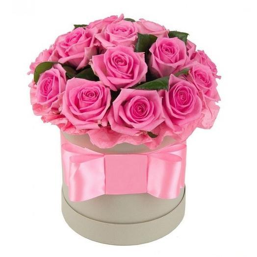 Малиновое безе: букеты цветов на заказ Flowwow