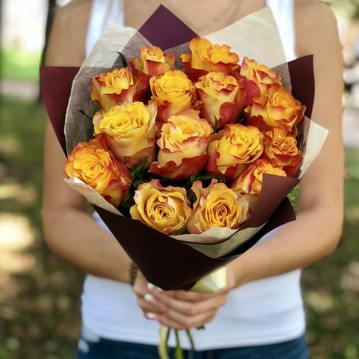 15 огненных розочек: букеты цветов на заказ Flowwow