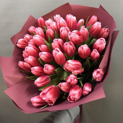 49 нежных тюльпанов: букеты цветов на заказ Flowwow
